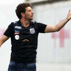 Elano relata que sofreu ameaças após revelar pedido a Messi