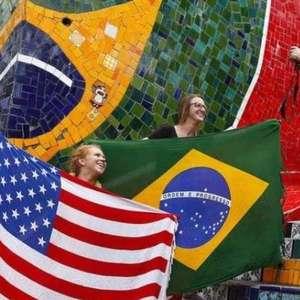 Sem contrapartida, Brasil isenta de visto turistas dos EUA