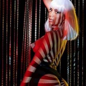 Anitta aposta na sensualidade para divulgar novo álbum