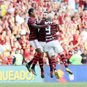 Flamengo vence Fluminense por 3 a 2 e vai à semi da Taça Rio