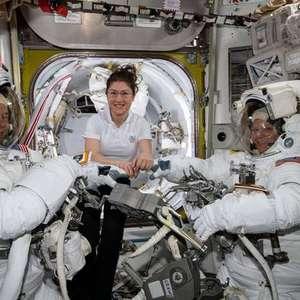 Nasa cancela viagem espacial de mulheres por falta de traje