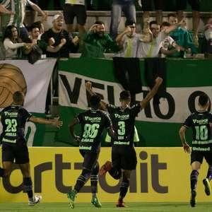 Chapecoense vence o Corinthians pela Copa do Brasil
