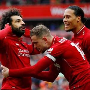 Liverpool bate Cardiff e volta a 'roubar' liderança do City