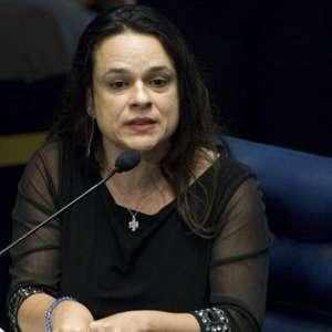 """""""Golpe em curso"""", diz Janaína sobre decisão de Toffoli"""