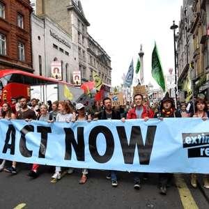 Rebelião contra a Extinção diz que encerrará bloqueios ...
