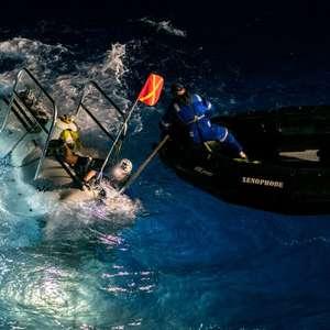 Submarino encontra plástico no ponto mais profundo dos ...