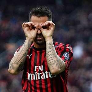 De olho no G4, Milan vence Frosinone e torce contra ...