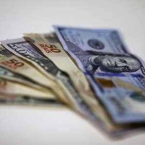 Dólar volta a subir após três quedas seguidas e vai a R$ ...