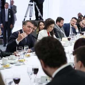 Bolsonaro diz que não mudou hábitos após notícias de hackers