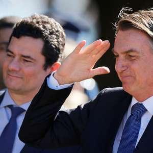 """""""Só confio 100% em meus pais"""", diz Bolsonaro sobre Moro"""