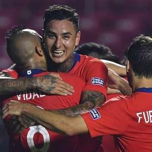 Chile goleia Japão em estreia e lidera ao lado do Uruguai