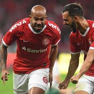 Inter vence Palmeiras nos pênaltis e avança às semifinais