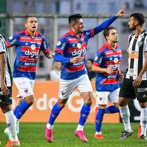 Galo abre 2 a 0, perde pênaltis e cede empate ao Fortaleza