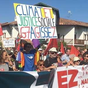 Protestos pedem ação na Amazônia aos líderes do G7