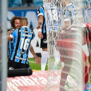 Luan marca, e reservas do Grêmio vencem o Athletico