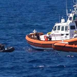 Autoridades italianas apreendem barco humanitário