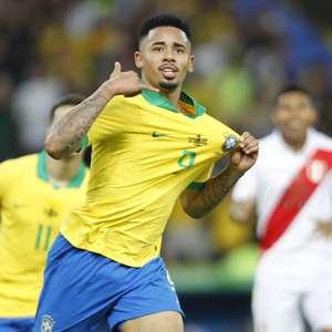 Brasil x Peru virou clássico? Fla no top 6 do inglês? Oi?