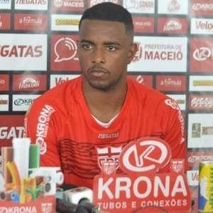 De volta após suspensão, Wesley Dias quer CRB focado na ...
