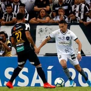 Botafogo empata com o Ceará e sai do Castelão no lucro