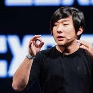 Pyong Lee faz evento gratuito sobre hipnose para depressão