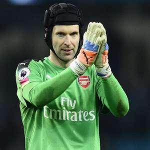 Aposentado dos gramados, Petr Cech assina com time de ...