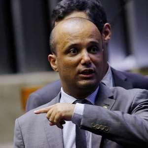 """""""PSL teria acabado sem Bolsonaro"""", afirma líder do governo"""