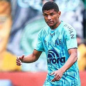 Chapecoense encara o Palmeiras com mudanças no time titular