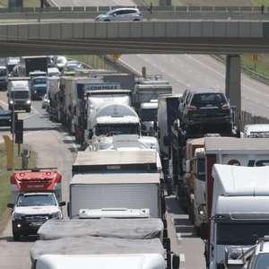 Tentativa de assalto em aeroporto causa caos em Campinas