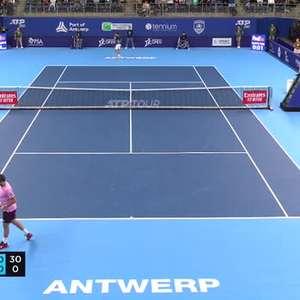 TÊNIS: ATP Antuérpia: Wawrinka derrota Simon (6-3, 6-7, 6-2)