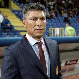Após caso de racismo, técnico da Bulgária pede demissão