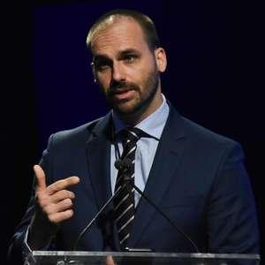 """""""PSL tem que orientar de acordo com o governo"""", diz Eduardo"""