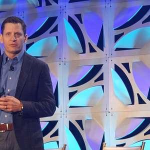 """""""IA não se trata de robôs dominando o mundo"""", diz Rob Thomas"""
