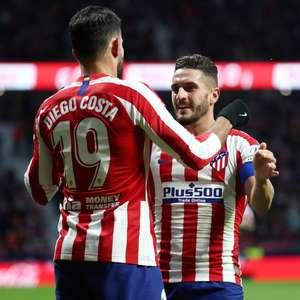 Diego Costa marca, Atlético vence e cola em Barça e Real