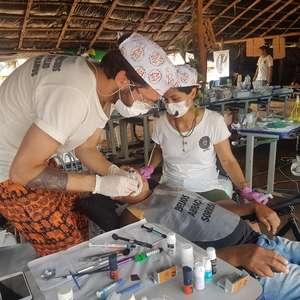 Brasileiro recupera sorriso de pessoas carentes pelo mundo