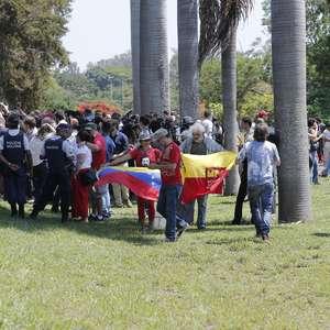 Bolsonaro repudia invasão à embaixada da Venezuela no DF