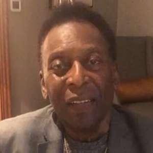 Pelé desabafa sobre problemas de saúde: 'Me sinto bem'