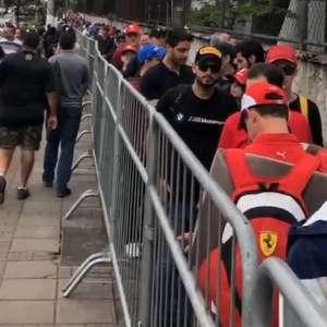 Multidão chega 'atrasada' e perde treino na F1