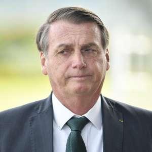 Bolsonaro ataca TSE e cogita ficar fora de eleições em 2020