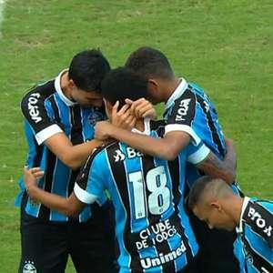 Grêmio goleia a Chapecoense e se classifica para as oitavas