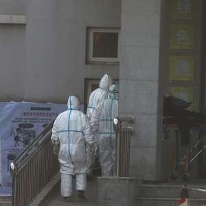 Médico que investigava surto de vírus diz que foi infectado