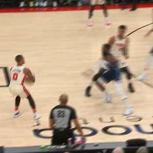 NBA: Damian Lillard faz impressionante cesta de longe