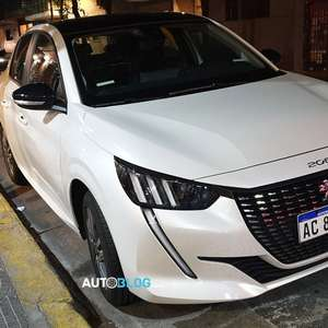 Novo Peugeot 208 Mecosul roda na Argentina sem disfarce