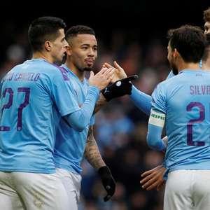 Gabriel Jesus marca dois, City goleia Fulham e avança