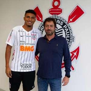 Corinthians anuncia a contratação do volante Éderson, ...