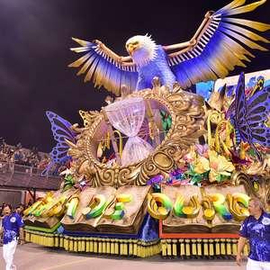 Confira as imagens do desfile da Águia de Ouro, campeã em SP