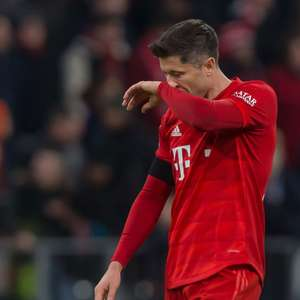 Lewandowski tem fratura confirmada e vê temporada ...