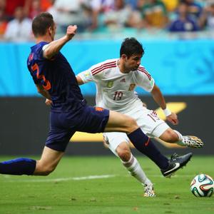 Com futebol paralisado, Fifa vai transmitir jogos ...