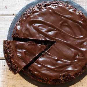Aprenda a fazer bolo de café com ganache de chocolate