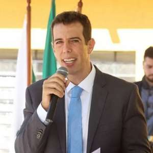 Bolsonaro escolhe Renato Feder como ministro da Educação
