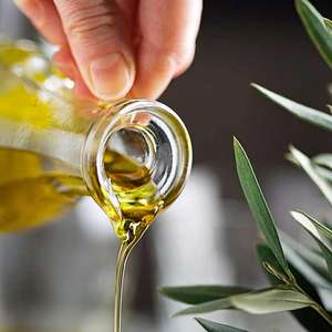 Polícia apreende 100 mil vidros de azeite falsificado na ...